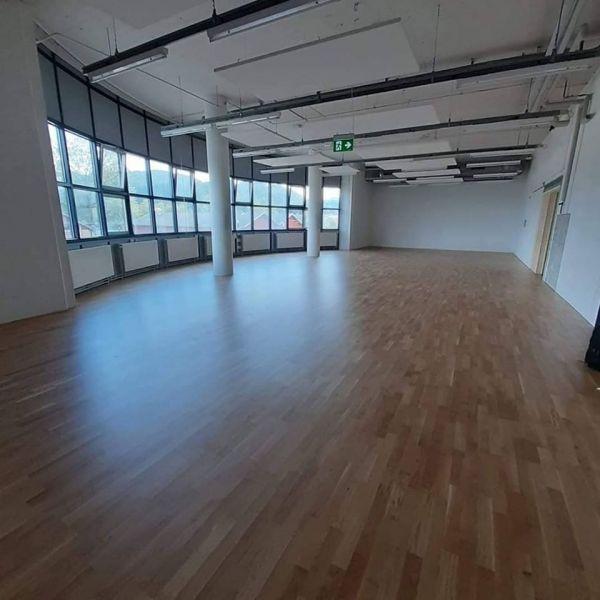 Neu gebauter Trainingsraum (Schwingparkett-Boden), Dojo, bei der Luzerner Allmend